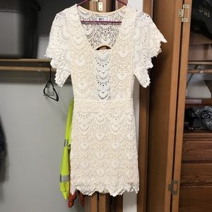 Night cap white lace dress